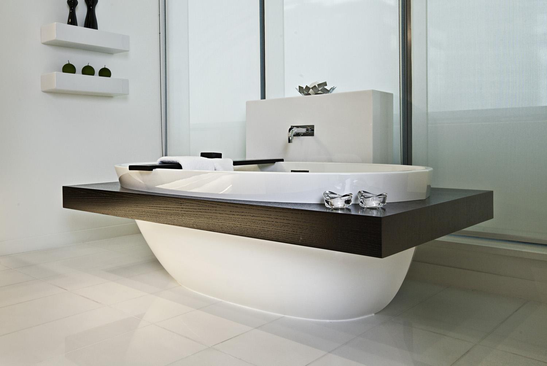 Three Harbour Green Condo Photography bathtub
